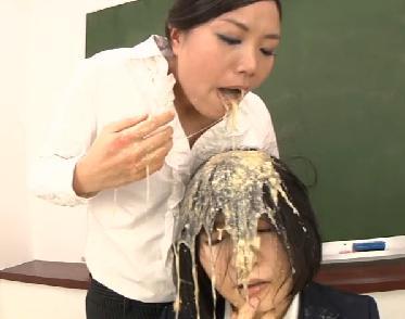 女子校 ゲロスカいじめ